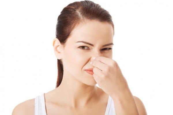 Como tirar o mau cheiro do ralo